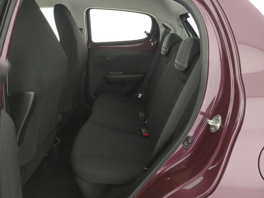 Peugeot 108 11