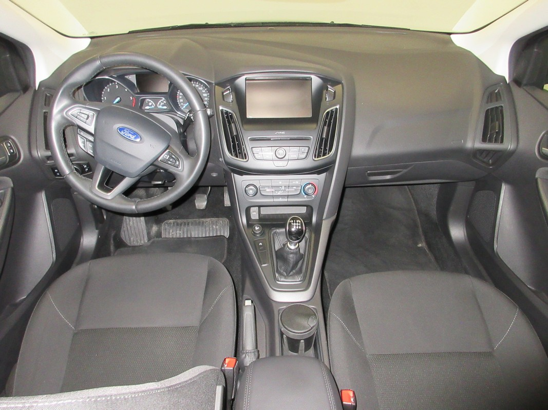 Ford Focus 1.5 TDCi 120 CV S&S Business SW 2014 10