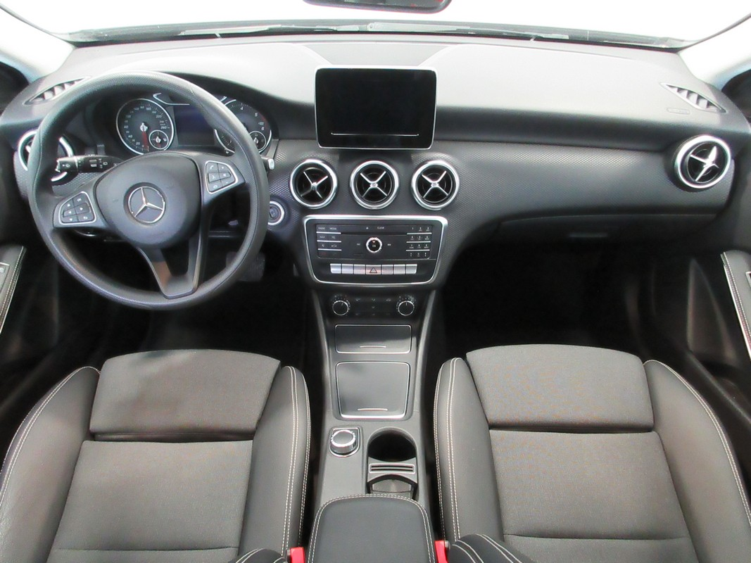 Mercedes-Benz Classe A A 180 d Automatic Business 2015 10