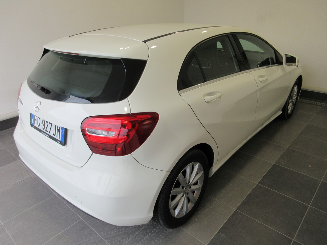 Mercedes-Benz Classe A A 180 d Automatic Business 2015 3