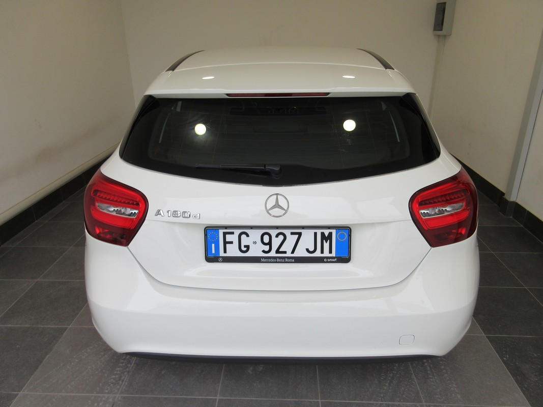 Mercedes-Benz Classe A A 180 d Automatic Business 2015 4
