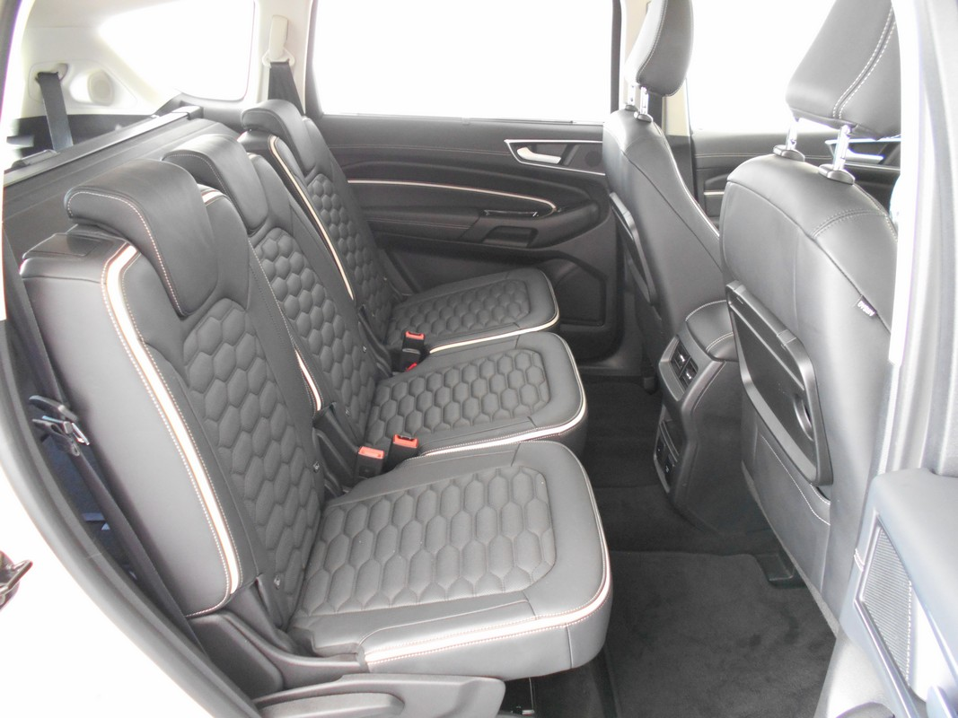 Ford S-Max 11