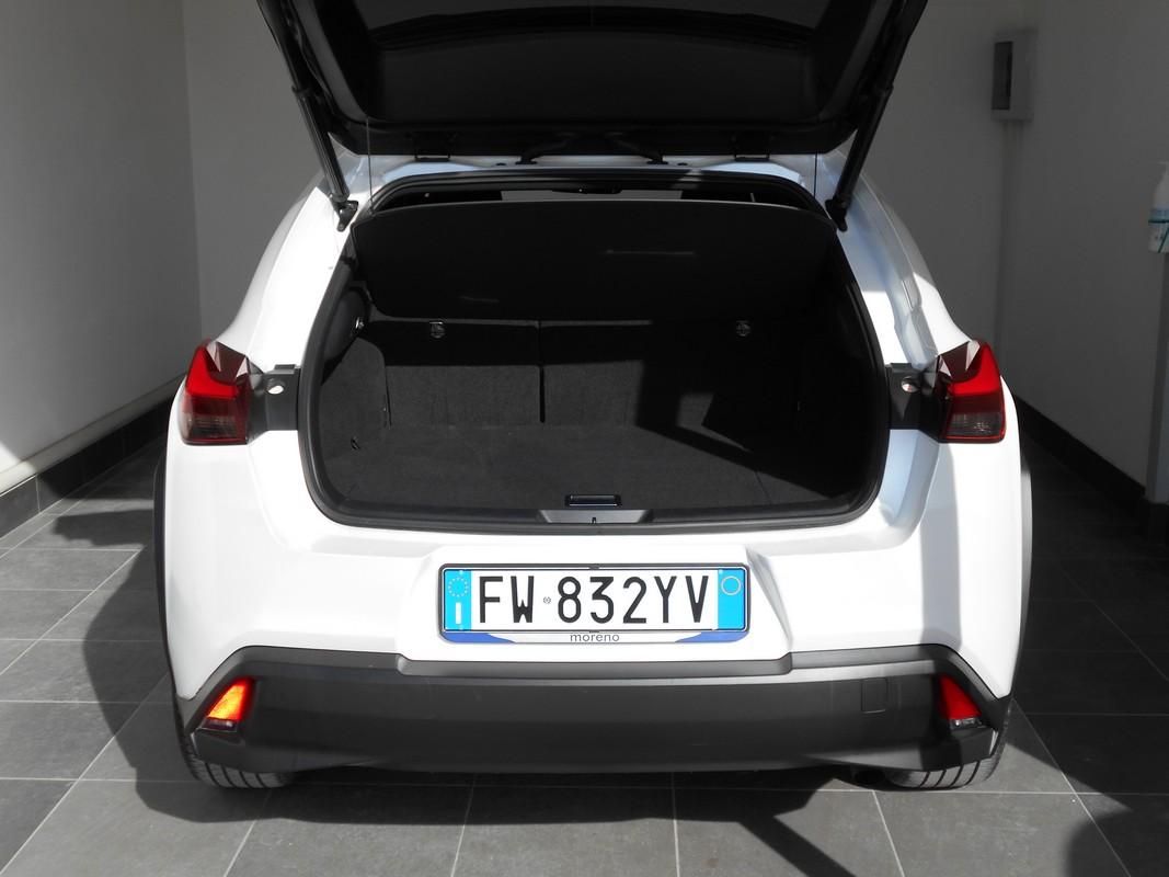 Lexus UX Hybrid 6