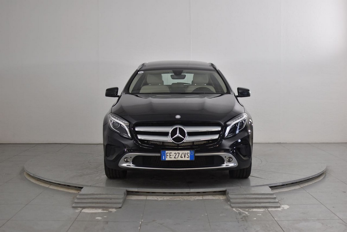 Mercedes-Benz GLA 3