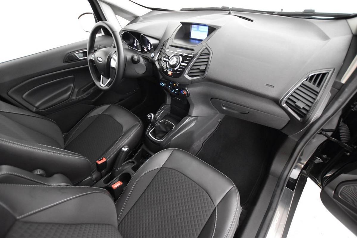 Ford EcoSport 12