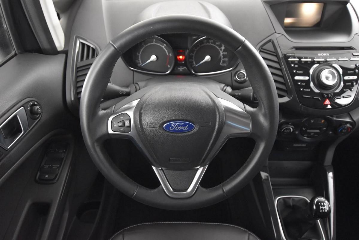 Ford EcoSport 16