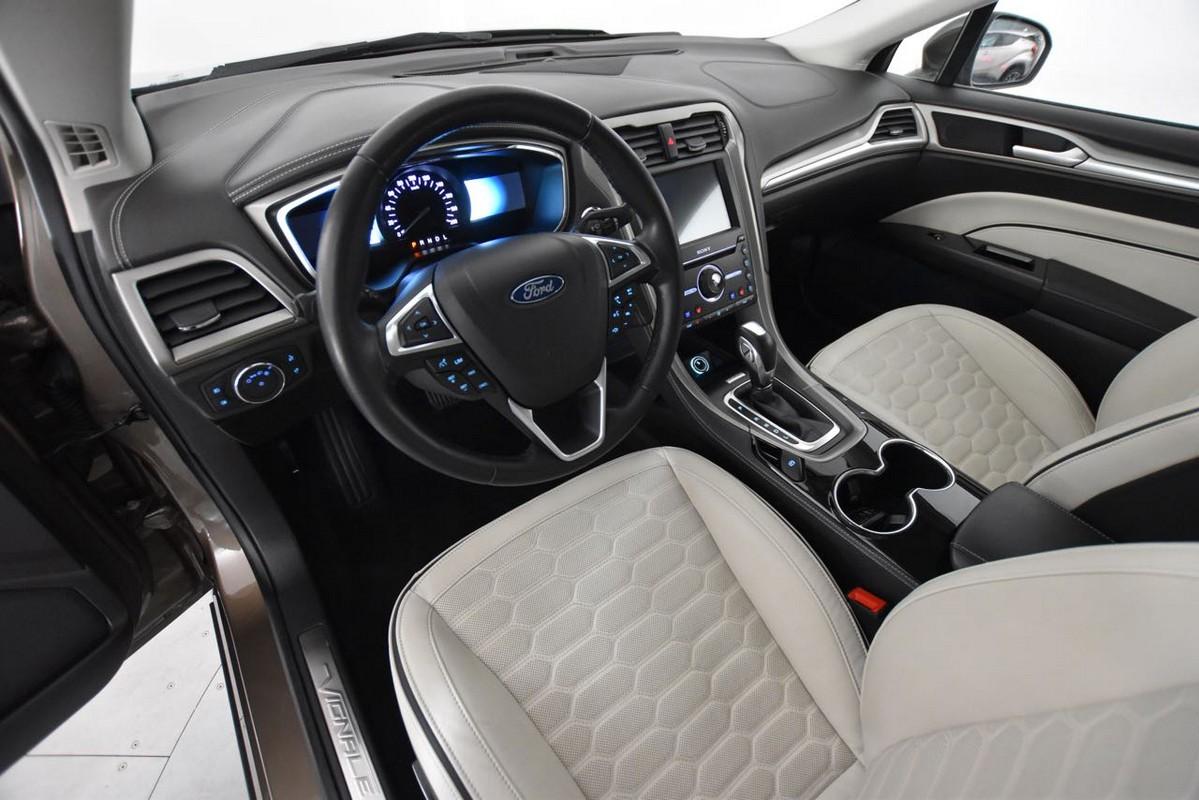 Ford Mondeo Hybrid 10