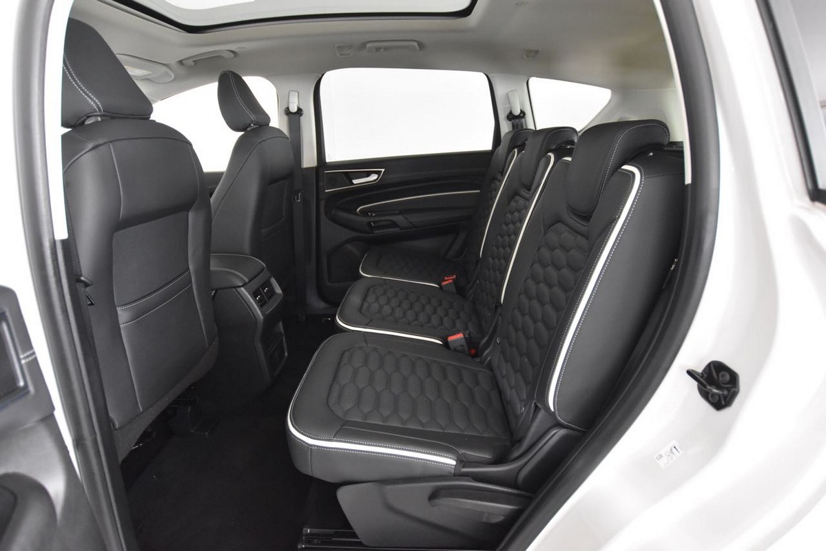 Ford S-Max 13
