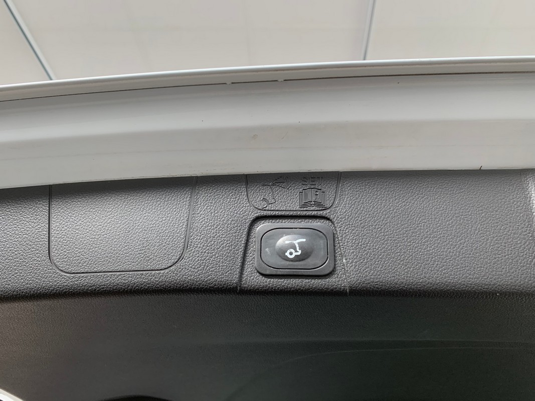 Ford C-Max 18