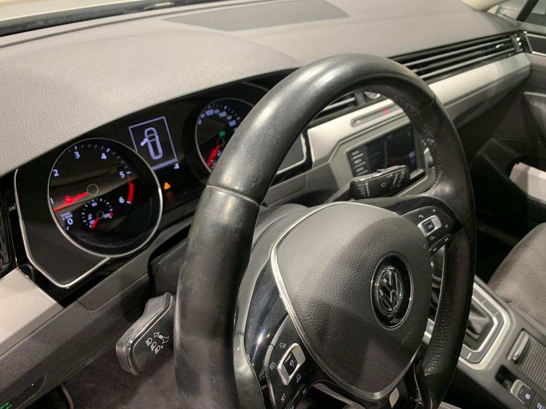 Volkswagen Passat Variant 36
