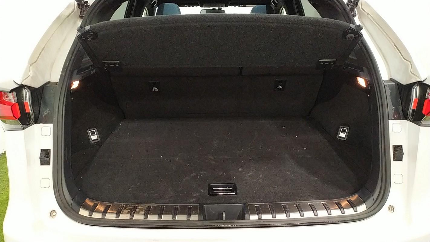 Lexus NX Hybrid 8