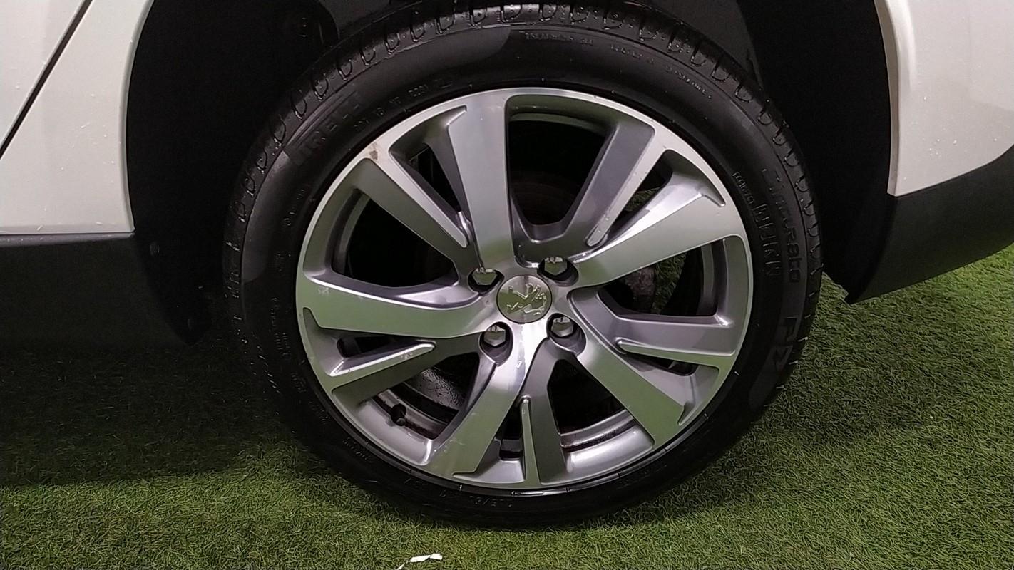 Peugeot 2008 18