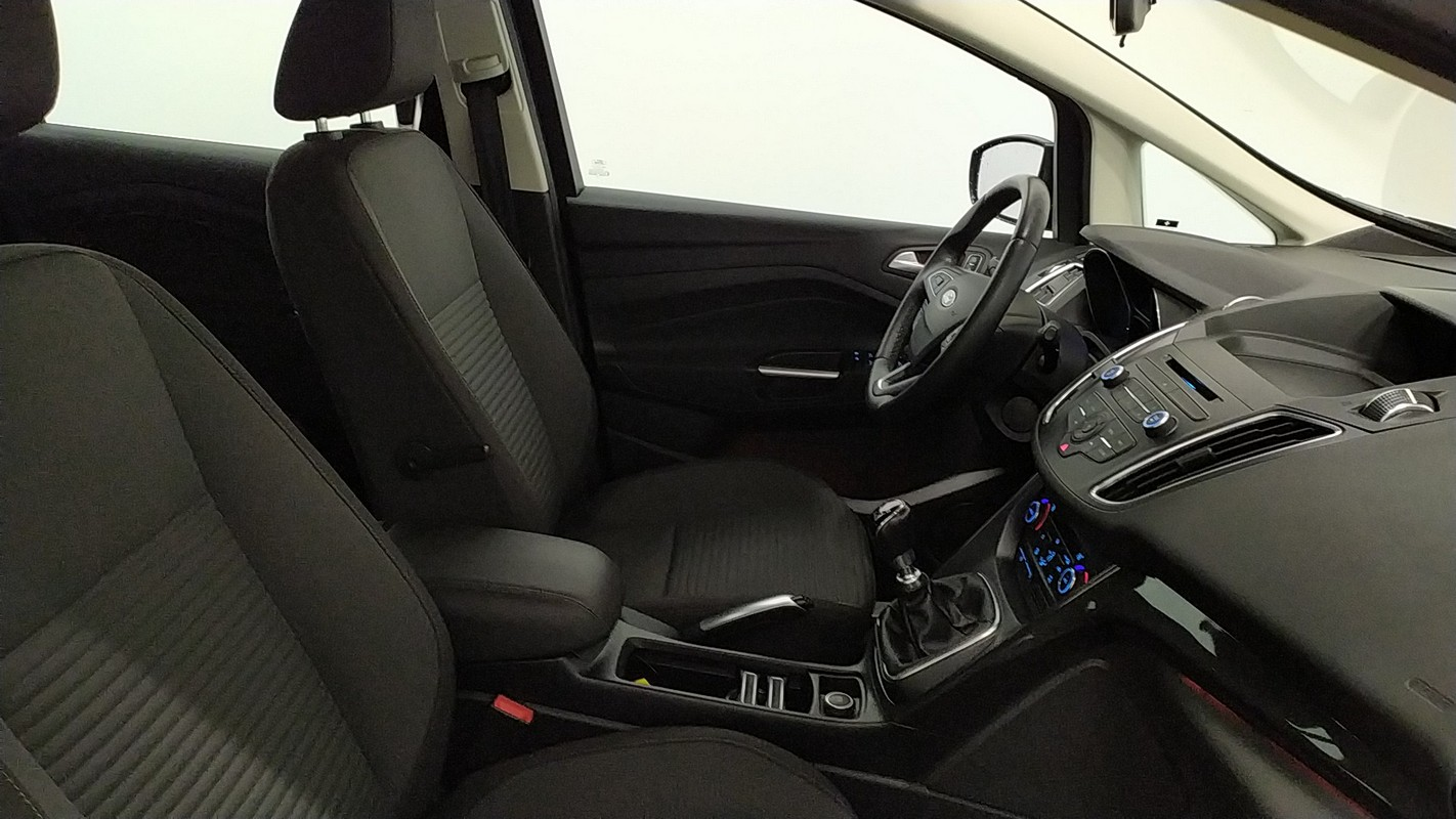 Ford C-Max 7 10