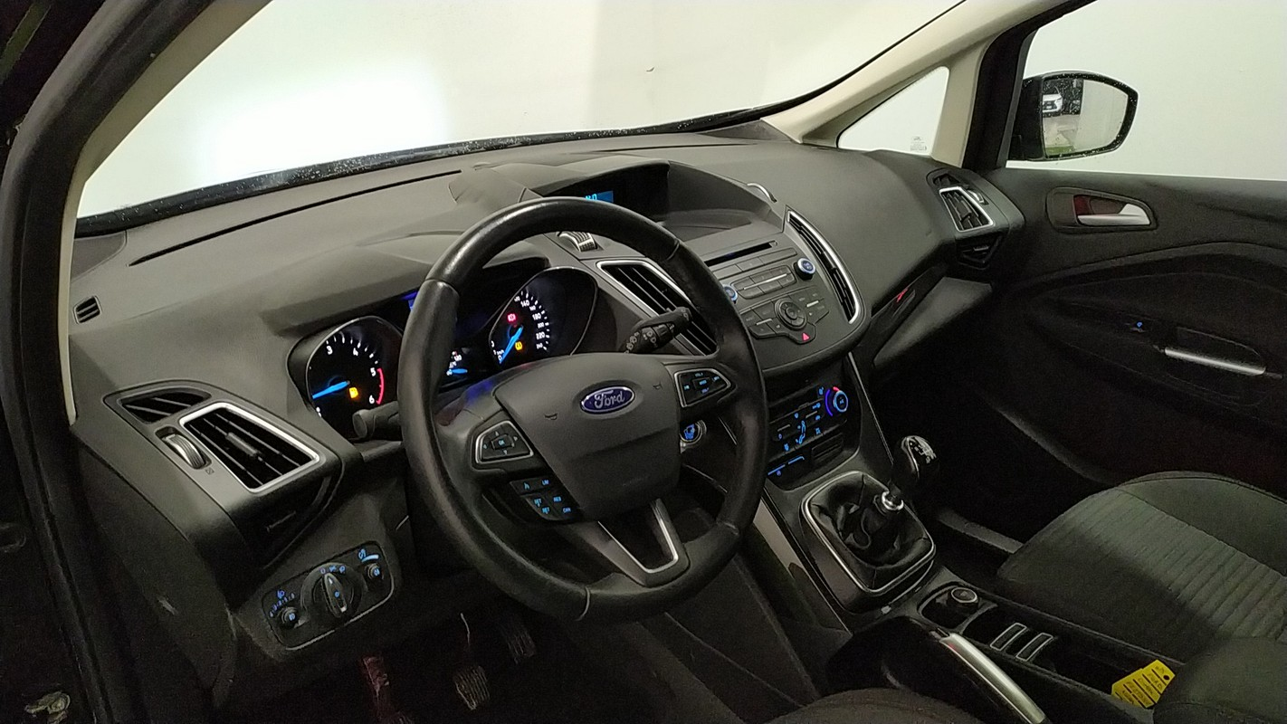 Ford C-Max 7 17