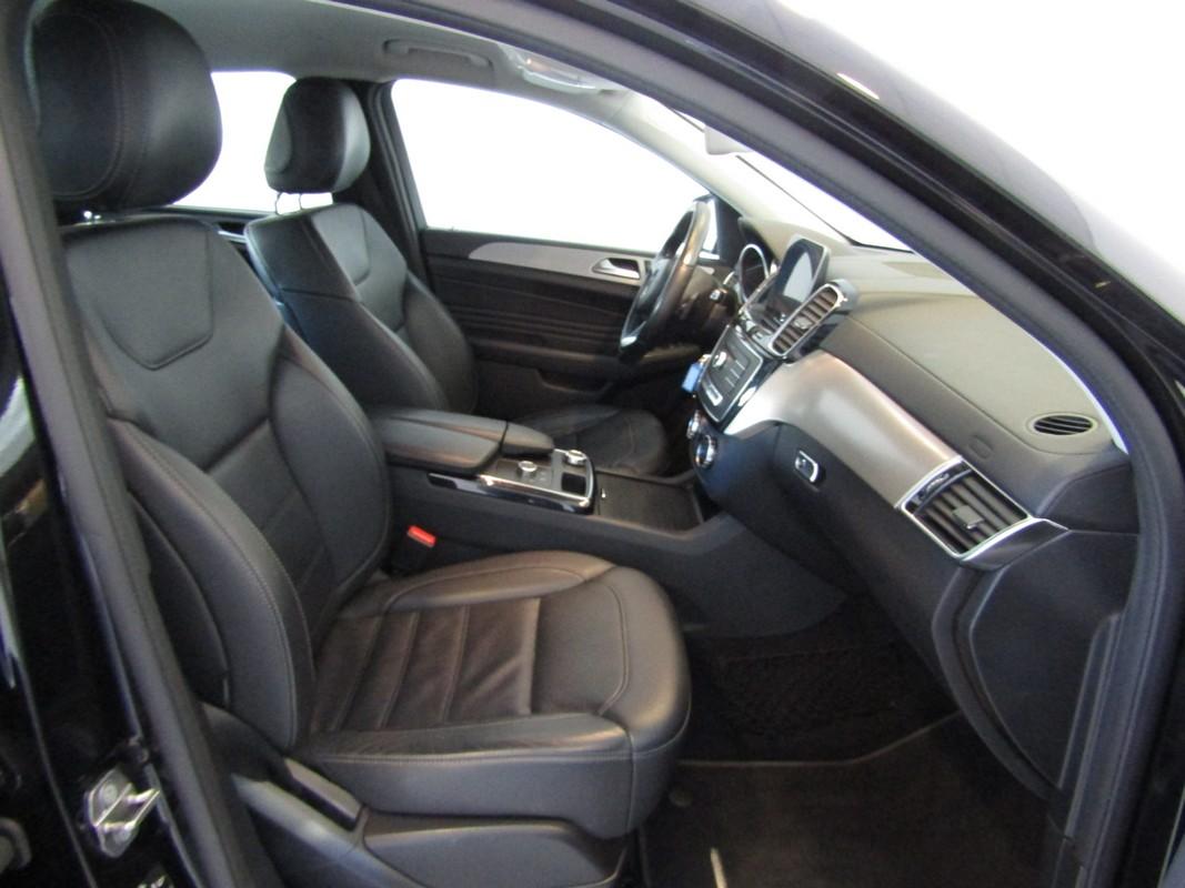 Mercedes-Benz GLE 11