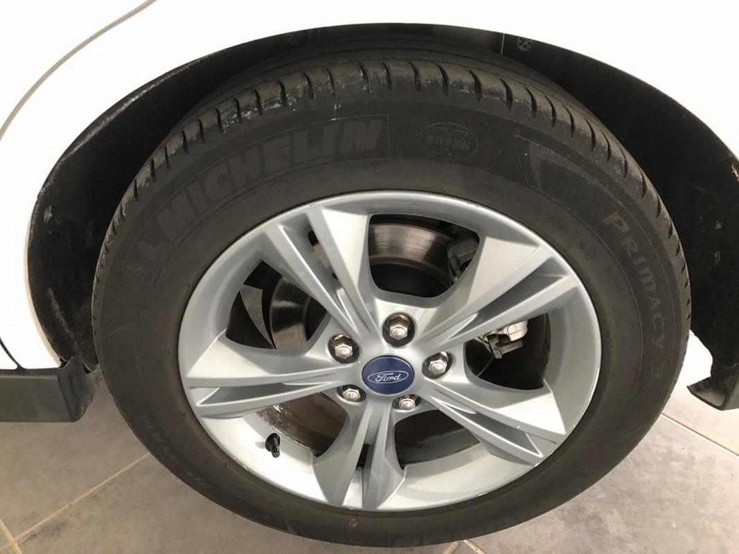Ford C-Max 25