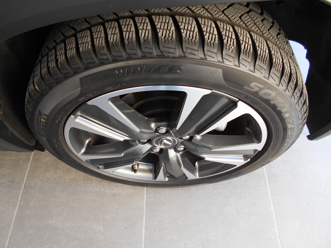 Lexus UX Hybrid 18