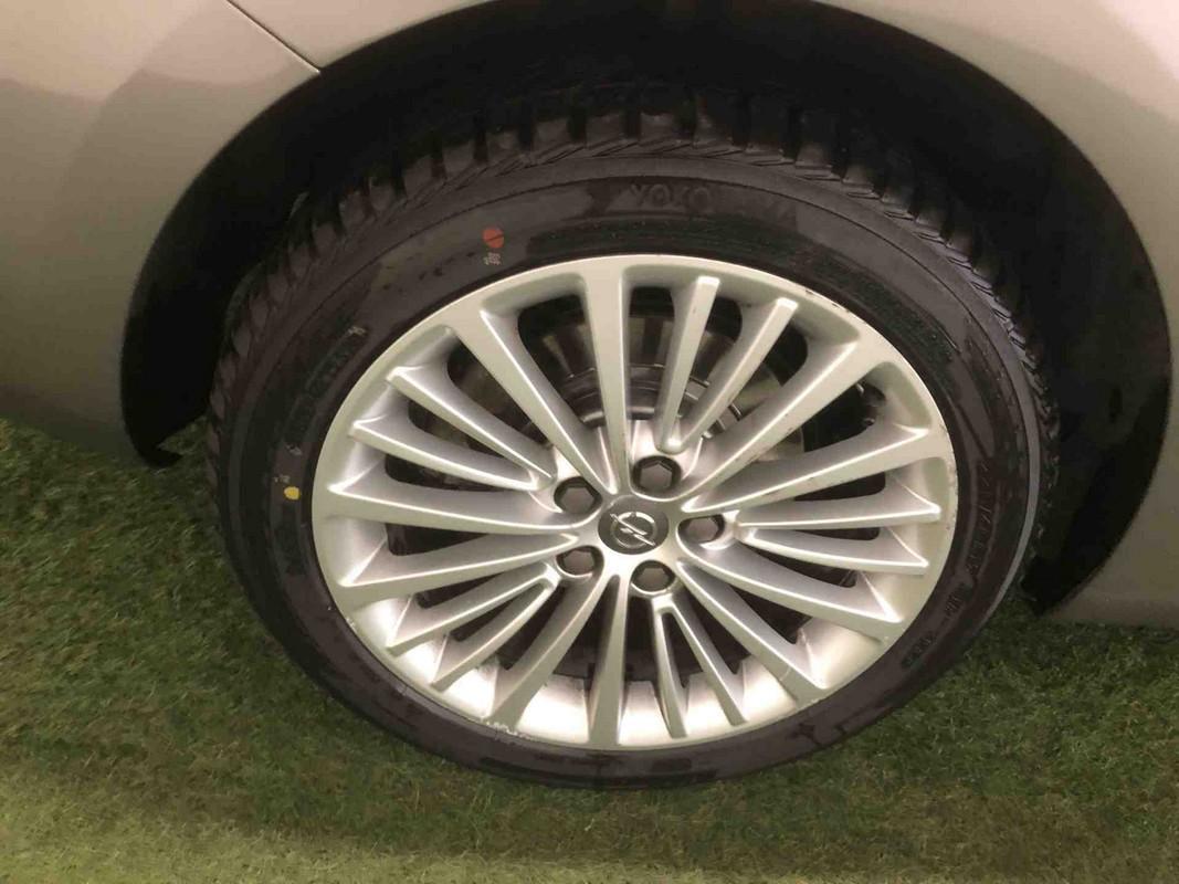 Opel Astra ST 17