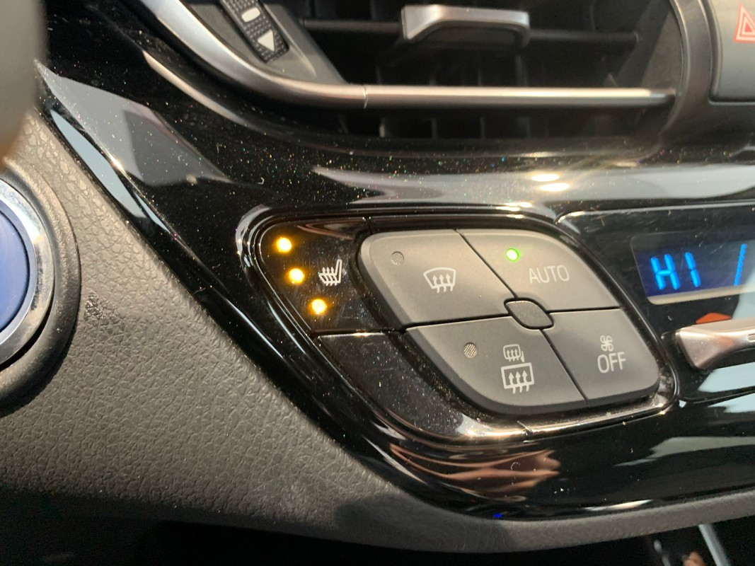 Toyota C-HR Hybrid 18