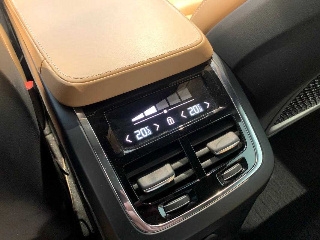 Volvo XC90 Hybrid 22