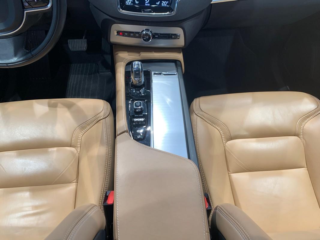 Volvo XC90 Hybrid 24