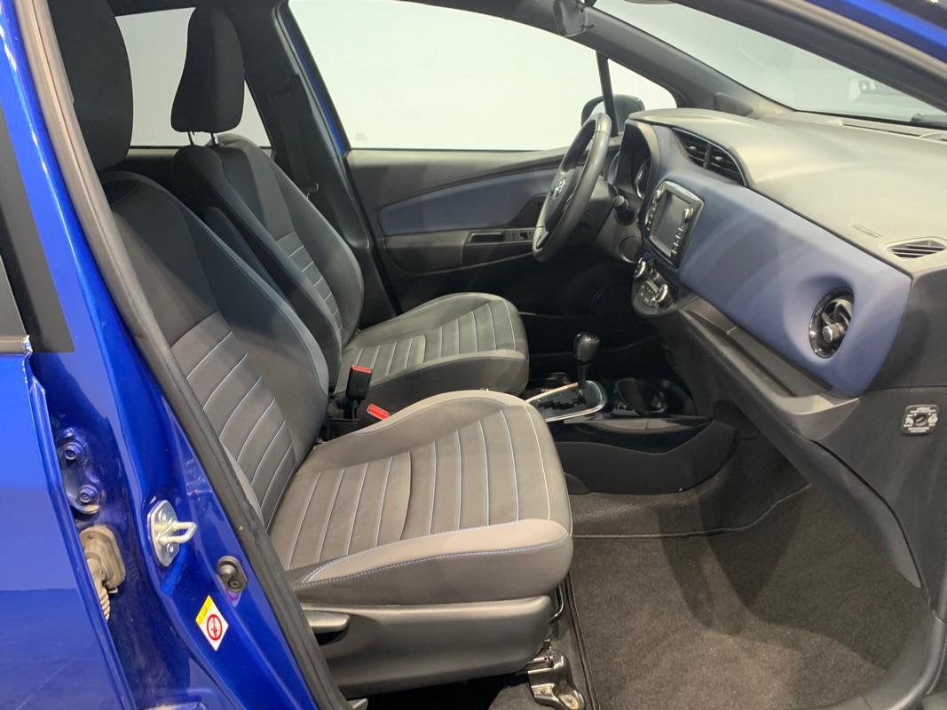 Toyota Yaris Hybrid 9