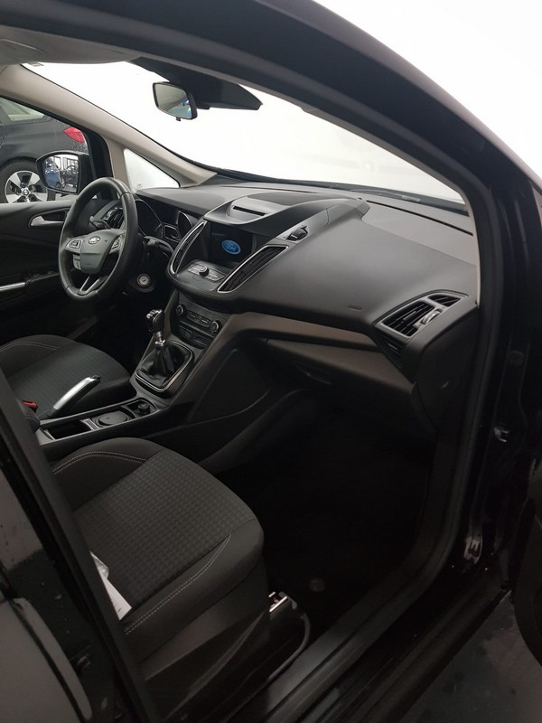 Ford C-Max 10