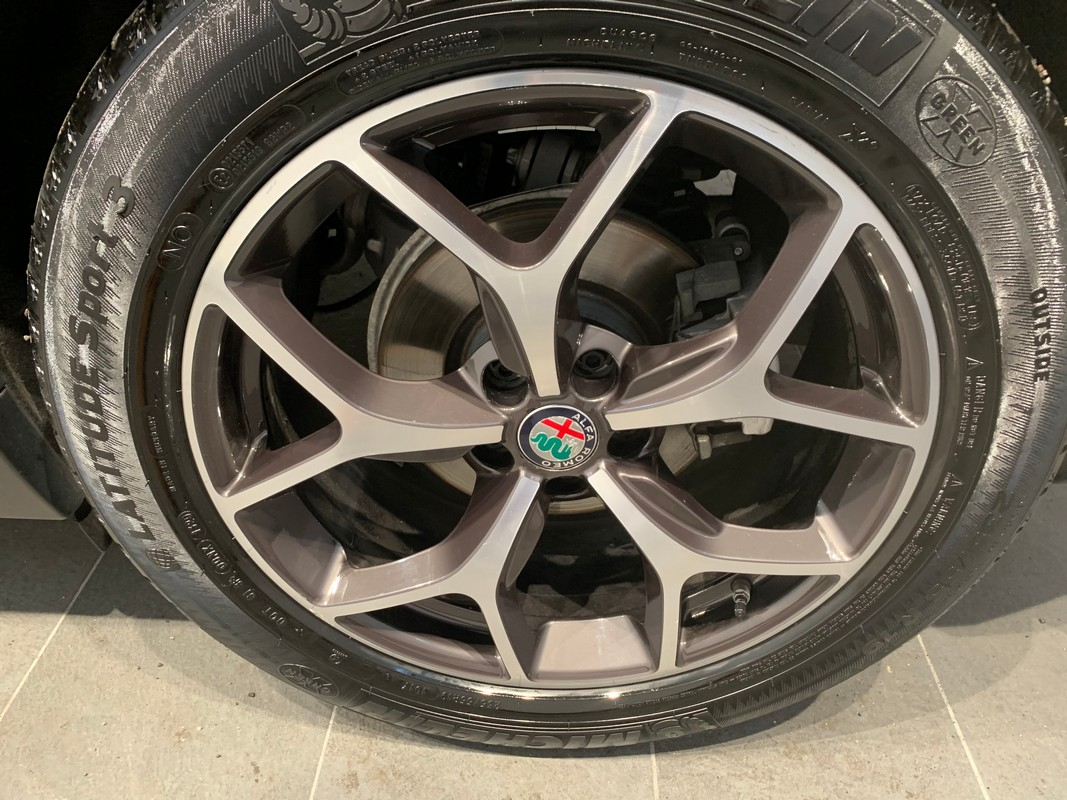 Alfa Romeo Stelvio 24