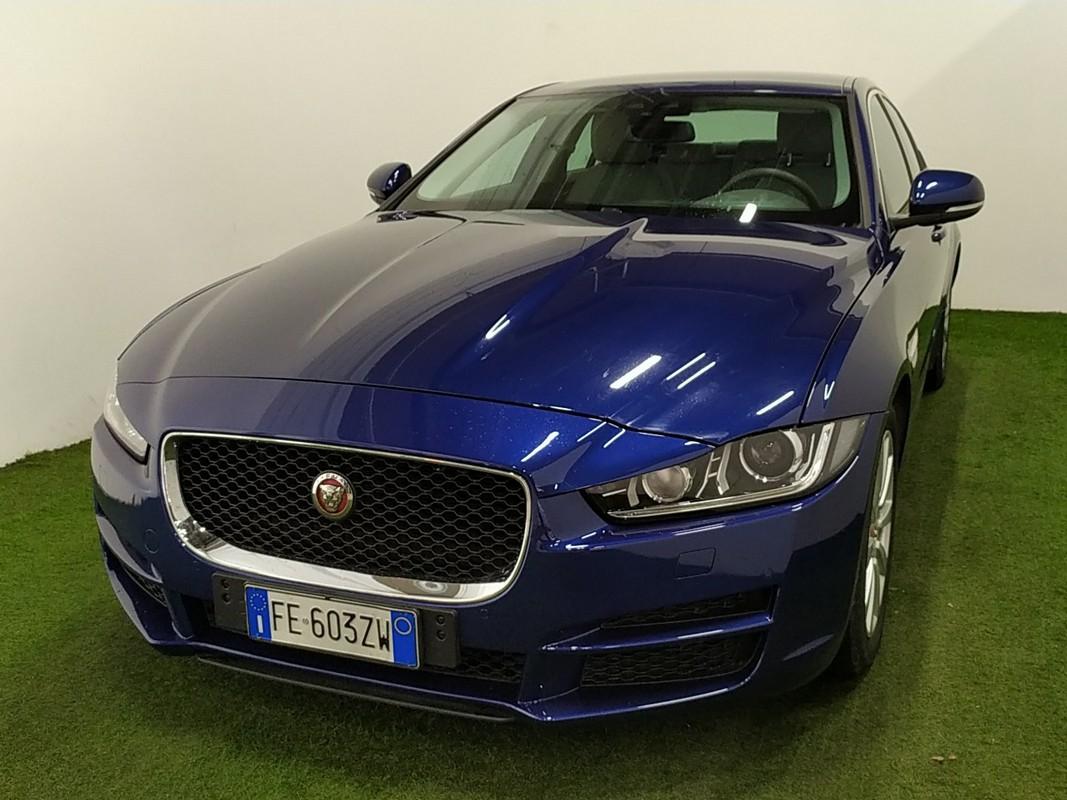 Jaguar XE 0