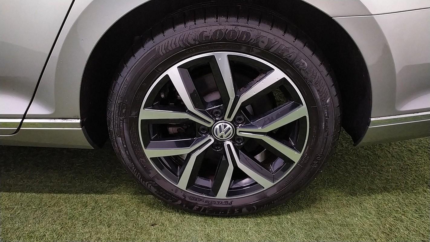 Volkswagen Passat Variant 16