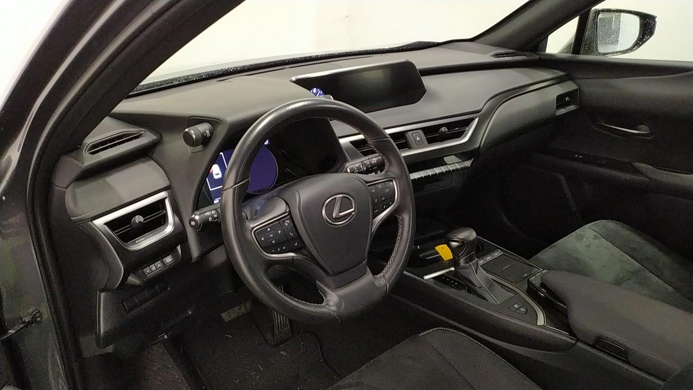 Lexus UX Hybrid 13