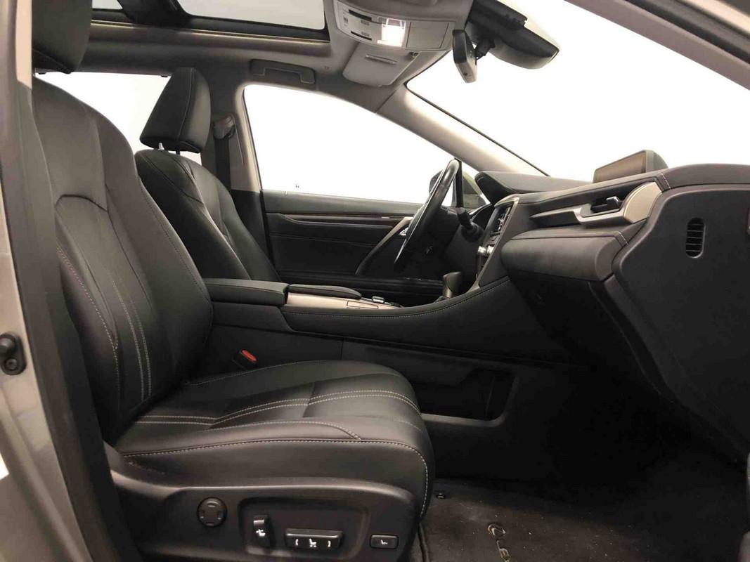 Lexus RX Hybrid 12