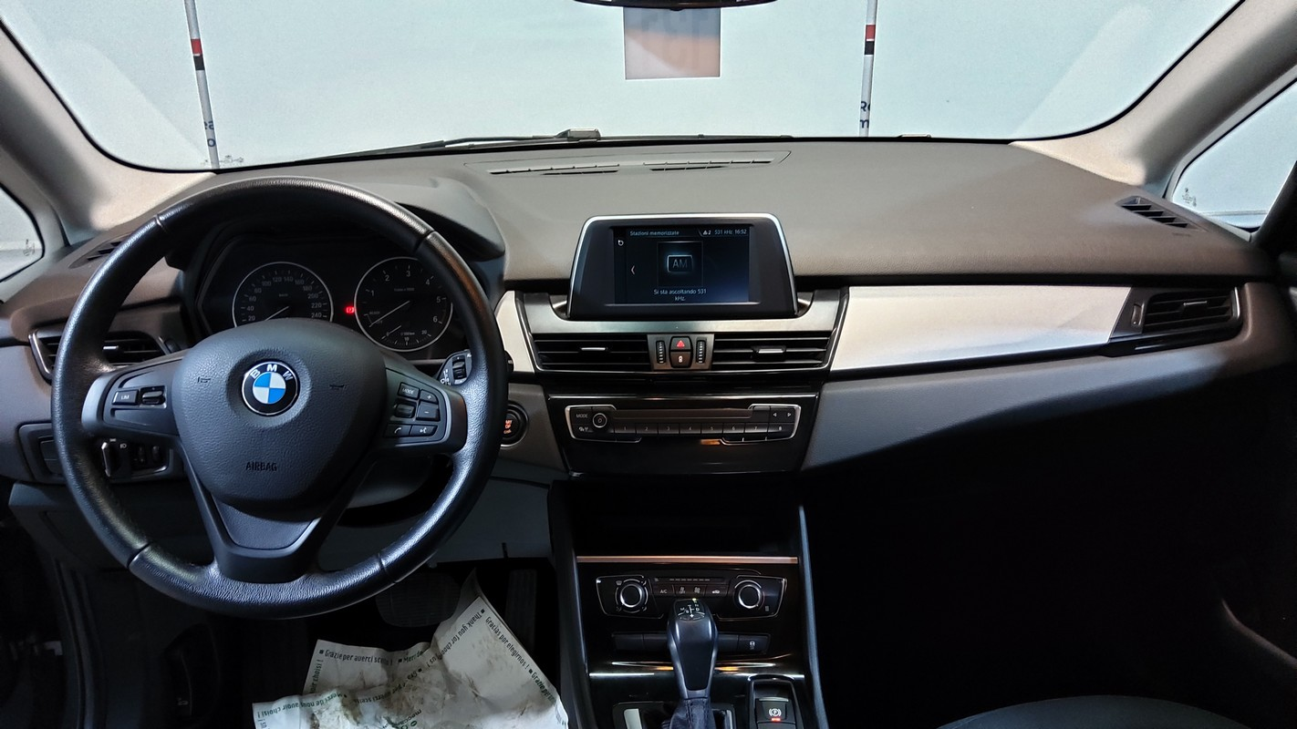 BMW Serie 2 Active Tourer 9