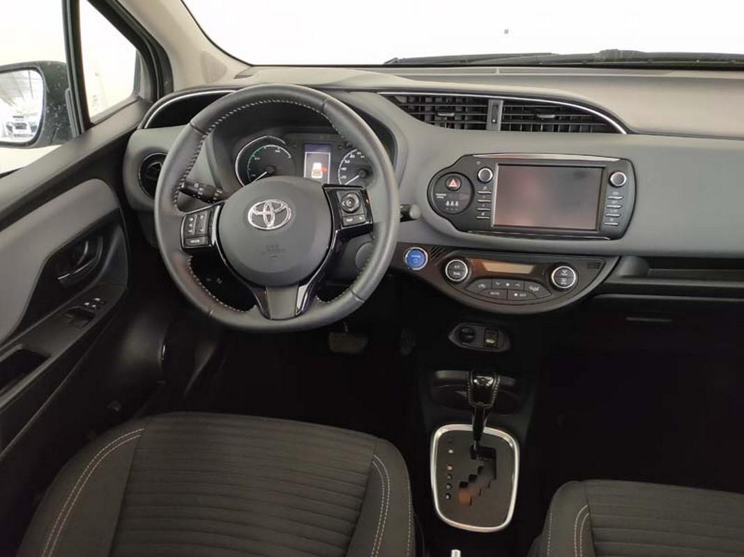 Toyota Yaris Hybrid 15