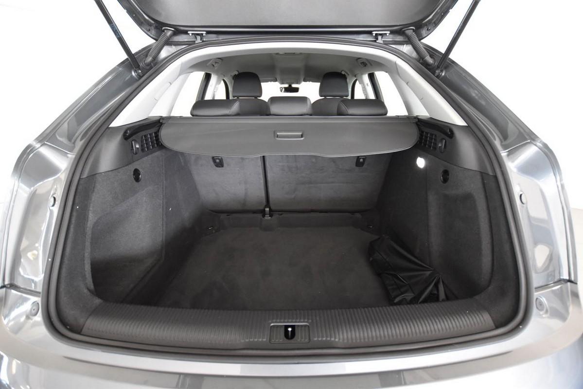 Audi Q3 8