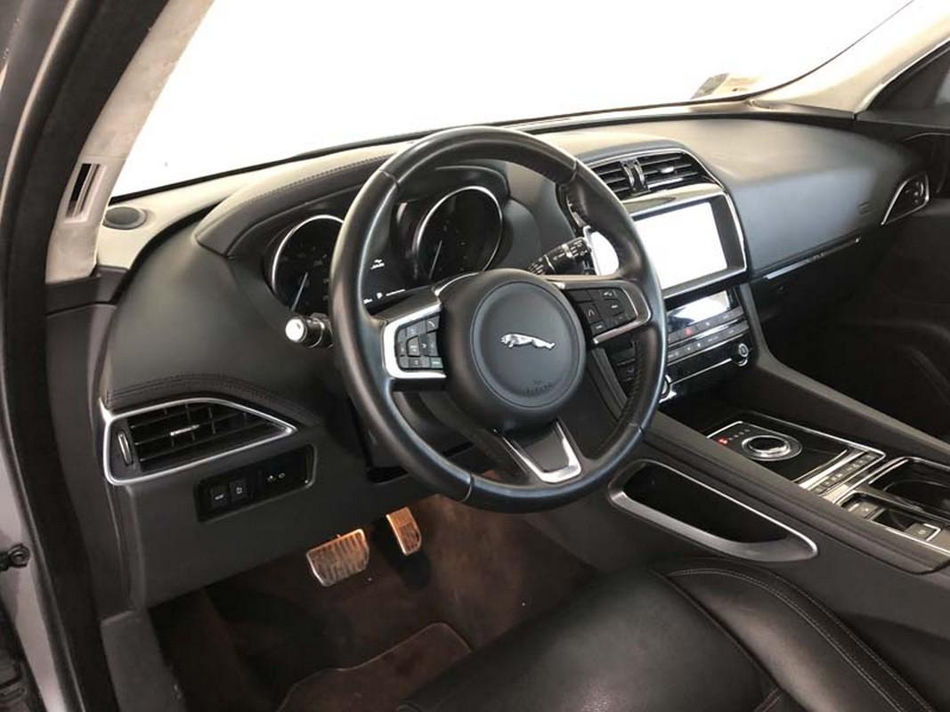 Jaguar F-Pace 11