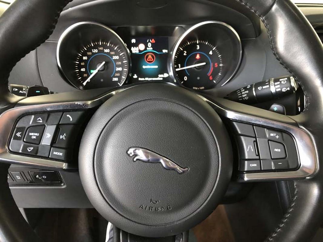 Jaguar F-Pace 19