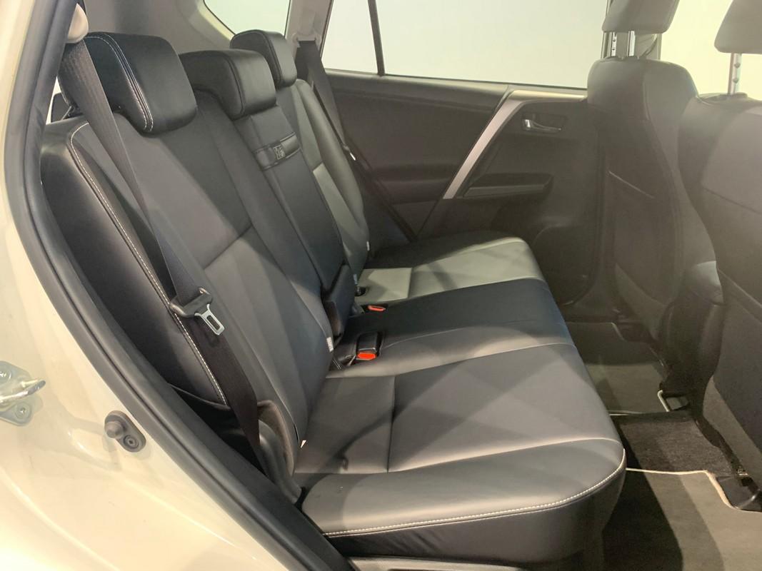Toyota RAV4 Hybrid 11