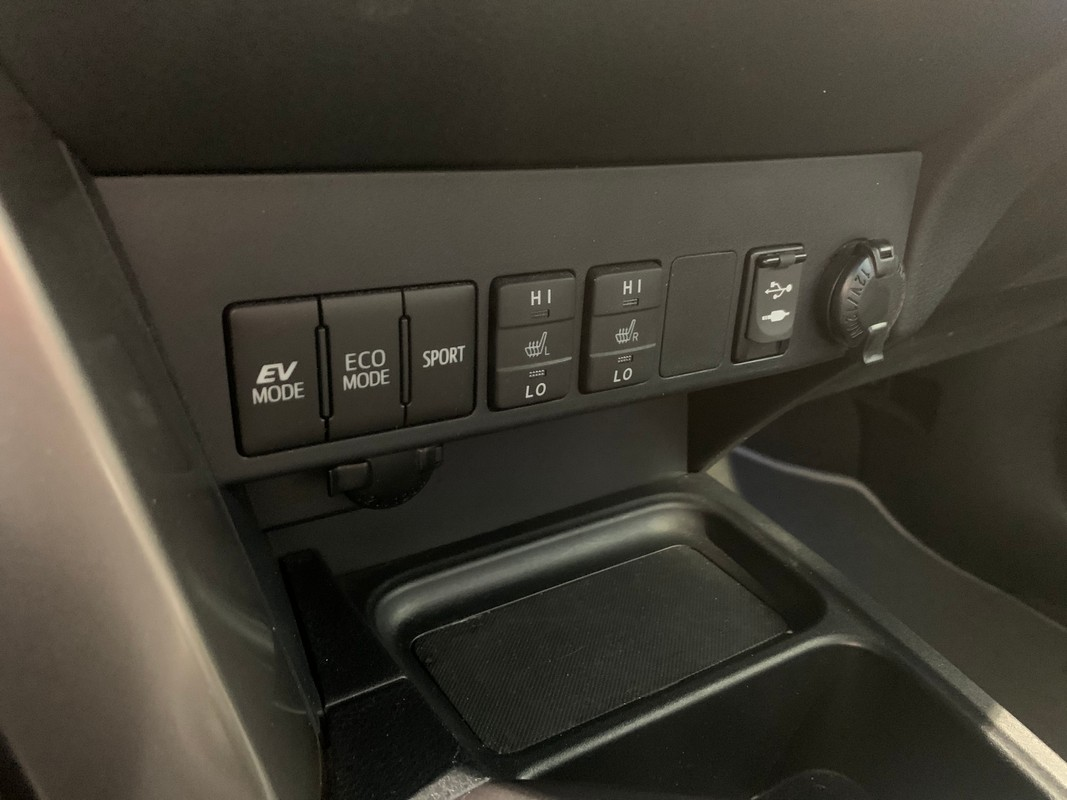 Toyota RAV4 Hybrid 19