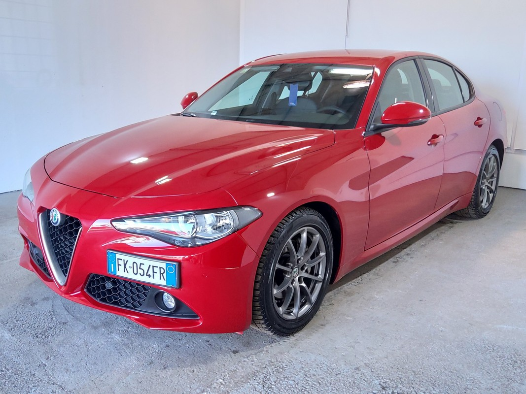 Alfa Romeo Giulia 0