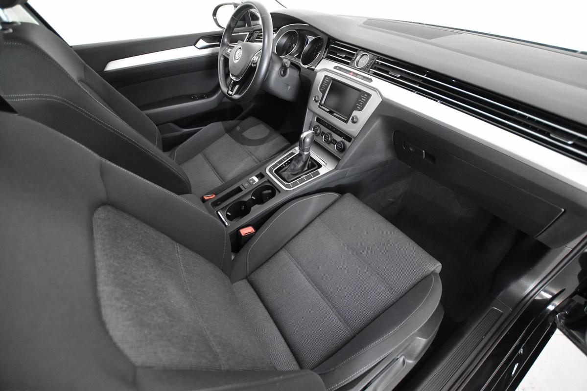 Volkswagen Passat Variant 12