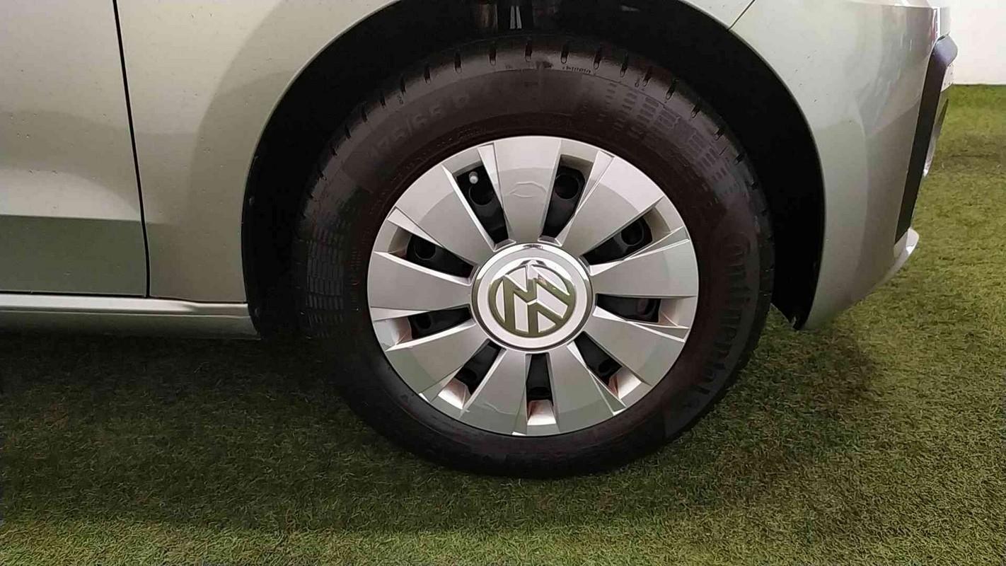 Volkswagen up! 17