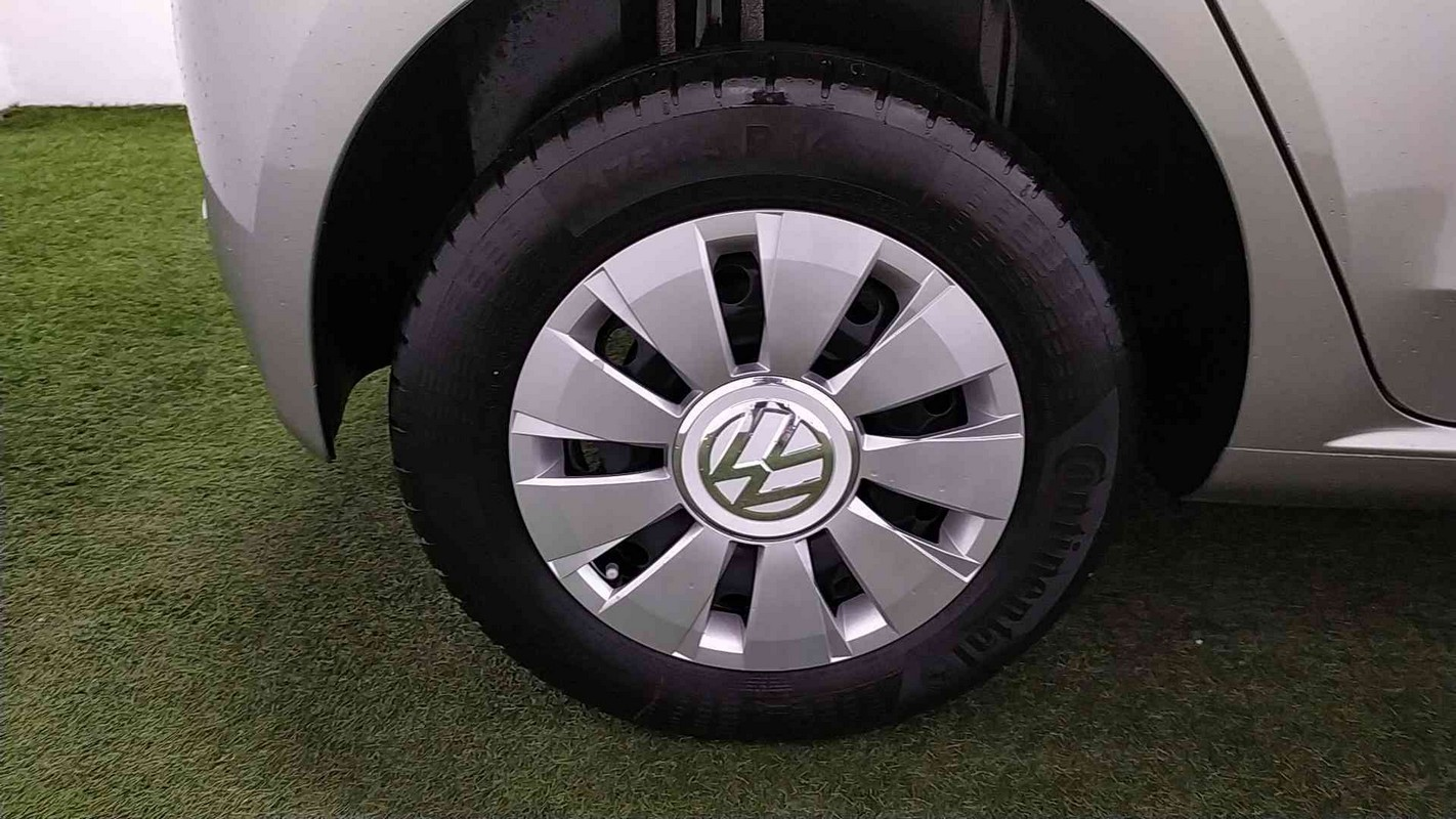 Volkswagen up! 18