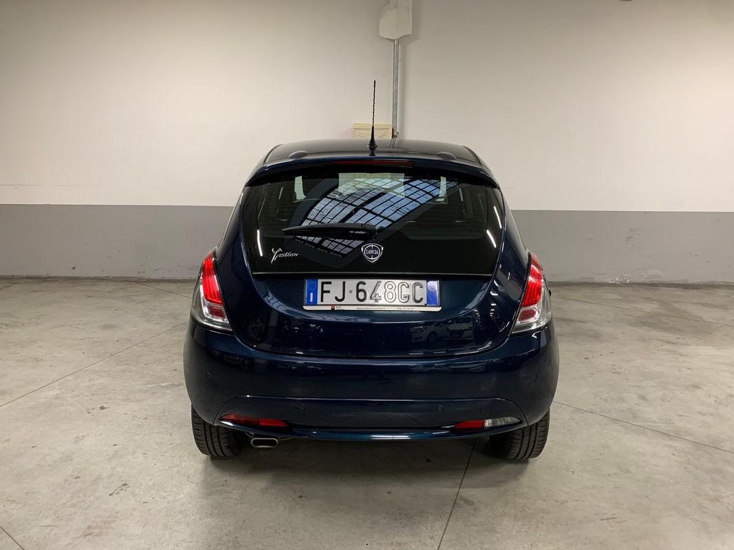 Lancia Ypsilon 7