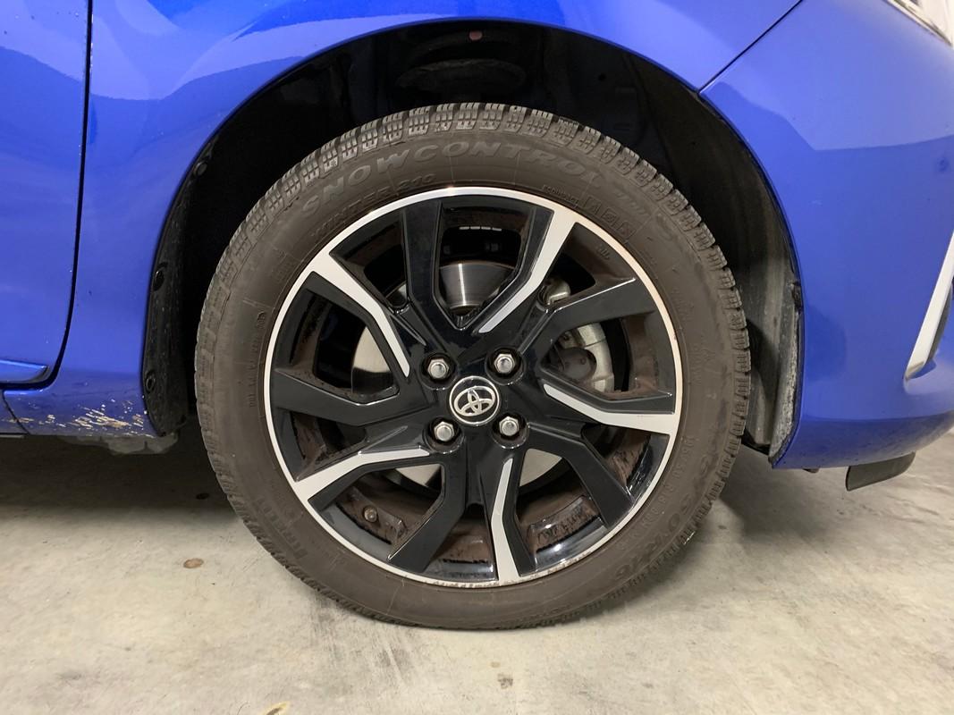 Toyota Yaris Hybrid 26