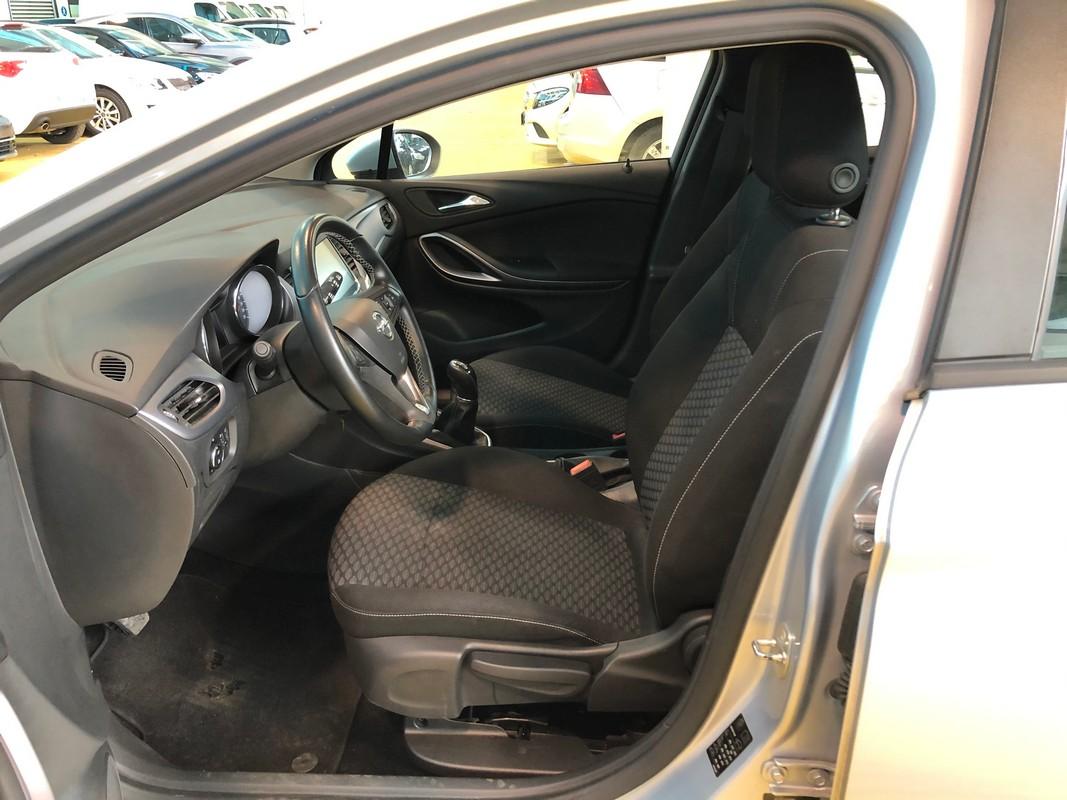 Opel Astra ST 10