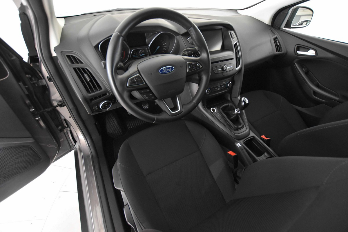 Ford Focus SW 1.5 TDCi 120 CV S&S Business Station Wagon 2014 8