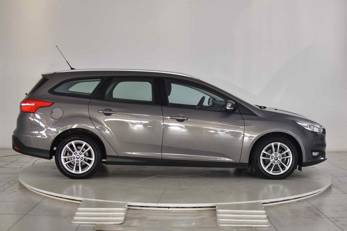 Ford Focus SW 1.5 TDCi 120 CV S&S Business Station Wagon 2014 4