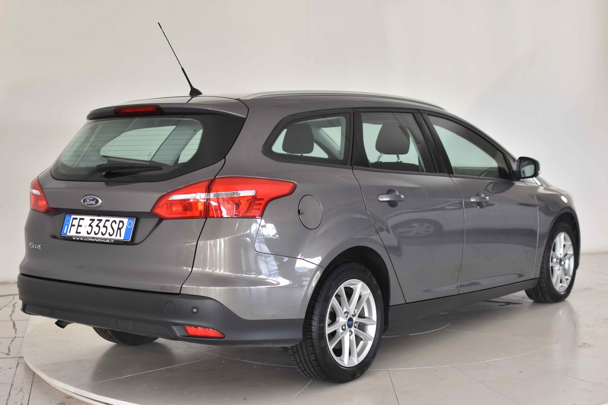 Ford Focus SW 1.5 TDCi 120 CV S&S Business Station Wagon 2014 5