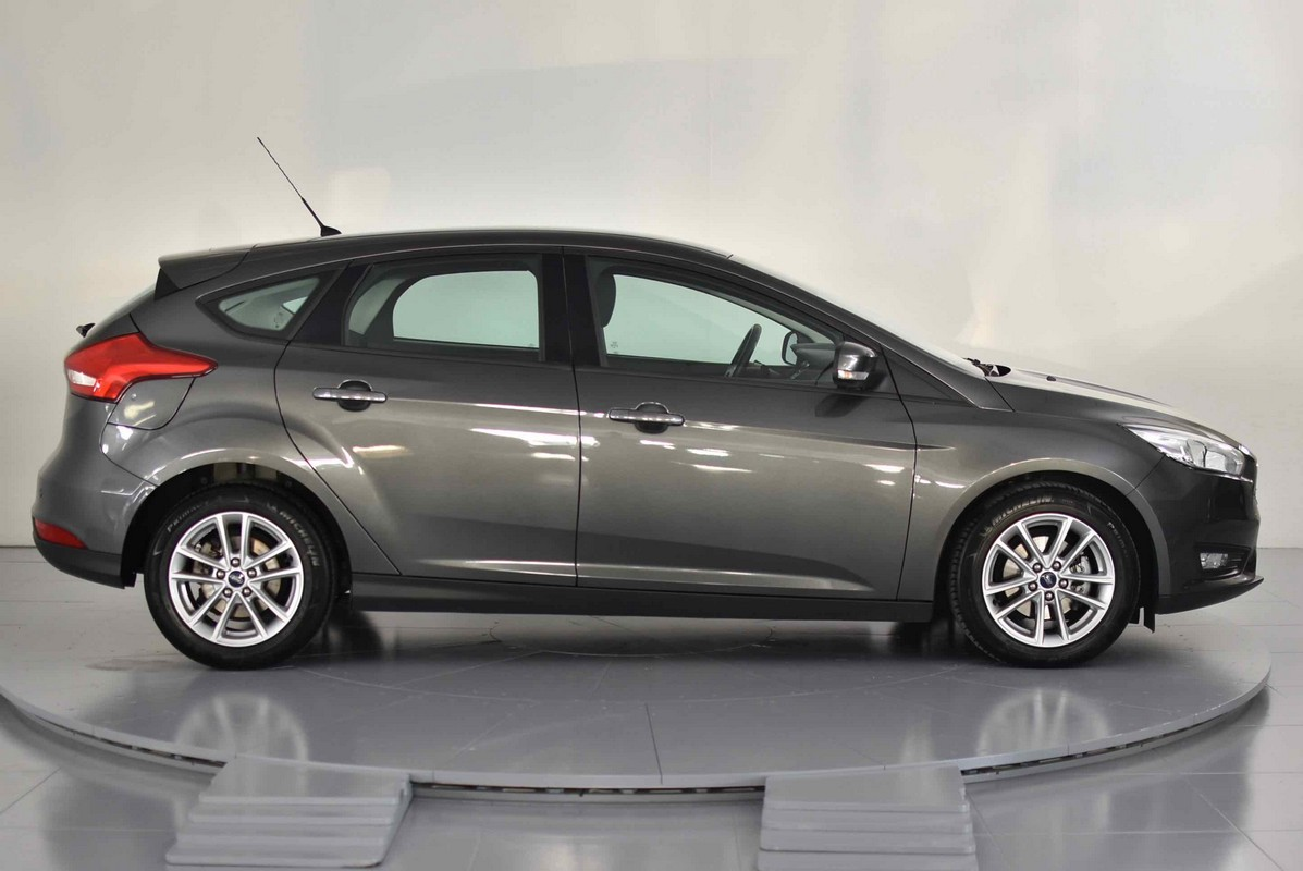 Ford Focus 1.5 TDCi 120 CV S&S Business 2014 4